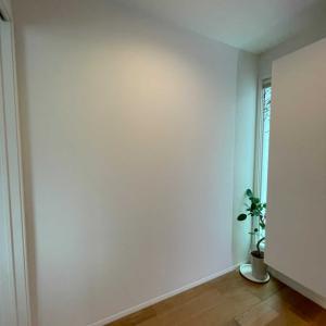 白い壁の飾り方☆