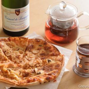 【巣ごもり特集】休日だからOK!青梅・伊太利亭で、ニンニクのピザをテイクアウト