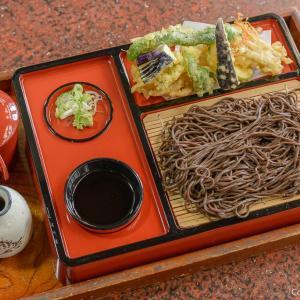 東京でも貴重な音威子府蕎麦、青梅市・御が岳の「ぎん鈴」の黒い蕎麦