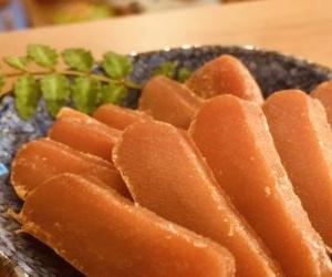 めんたいこの干物?博多海千の乾熟明太がからすみ風で絶品。