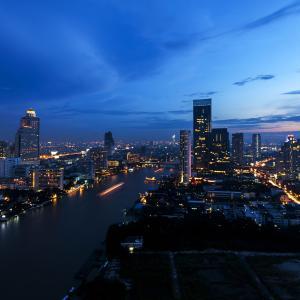 タイ、全土に夜間外出禁止令を発令へ