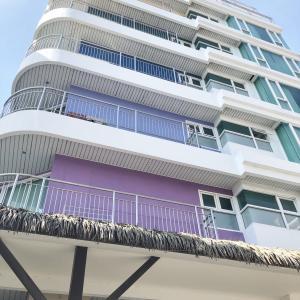 Pattaya Sea View Hotel(パタヤ シー ビュー ホテル)に宿泊!ソイ4にあるビーチロード至近のホテル!