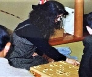 この女流棋士は誰?