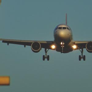 株価暴落中のデルタ・エアライン(DAL)はバフェットも投資する航空株【銘柄分析】