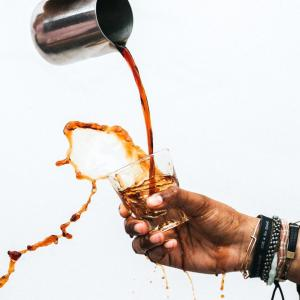 中国発のラッキン・コーヒーで粉飾発覚!株価は80%下落