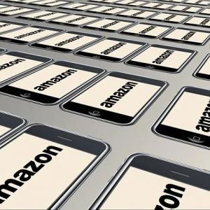 倉庫作業者がアマゾンを訴えた