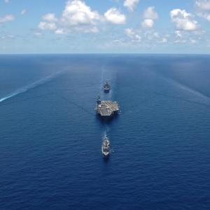 アメリカと中国が南シナ海でヒートアップ