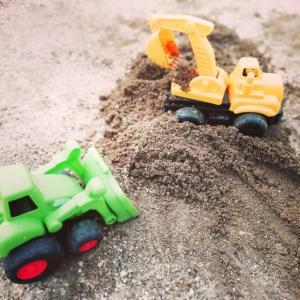 イクメン日記vol.29(5/29) 砂場で遊ぼう!にしても暑い…。
