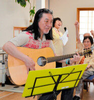 """【訃報】西遊記""""ガンダーラ""""や""""銀河鉄道999""""「ゴダイゴ」のギタリスト・浅野孝已さんが死去。68歳。"""