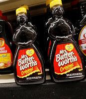 【ヒステリー】アメリカのスーパーから黒いデザインの商品が消え始める「黒人に見える!差別だ!」