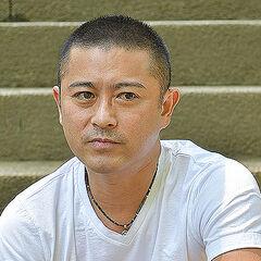 【超展開】元メンバー・山口達也が容疑否認してしまい家宅捜索
