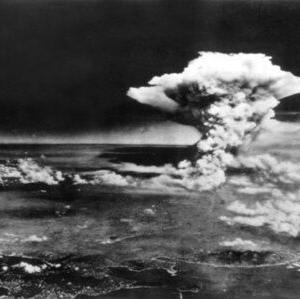 【きのこ雲】ジャニーズが原爆Tシャツ着用で炎上