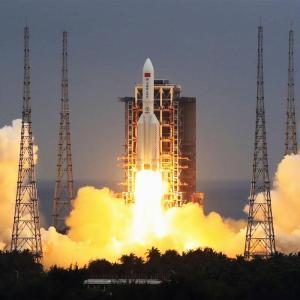 【落下】中国のロケット残骸がインド洋に落下した