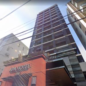 【薬物事件】大阪・コロナ療養でホテル6F窓から逃亡した男、薬物事件で釈放中の容疑者だった