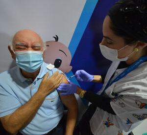 【感染爆発】ワクチン3回接種のイスラエルで感染者が連日1万人超え