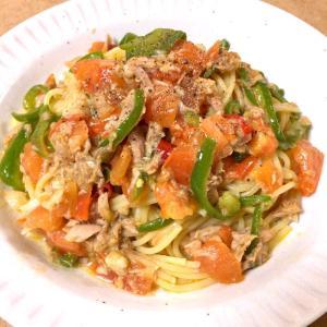 ツナとピーマンとトマトの中華風パスタ