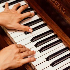 【初心者必見】大人から独学でピアノを始めてプロレベルになった方法