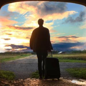 【旅の日】月日は百代の過客にして、行きかふ年も又旅人也。