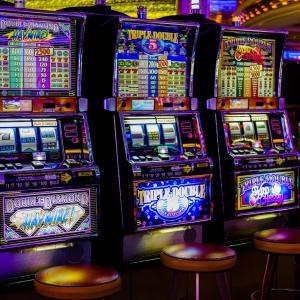 【恋愛】ギャンブルをする男性と付き合う・結婚は有りか無しかアンケート【評判/評価/口コミ/レビュー】