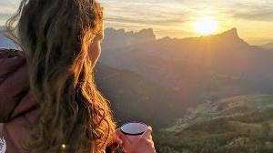 なぜ多くのキャンパーがキャンプでコーヒーを飲むのか?なぜわざわざコーヒーミル?