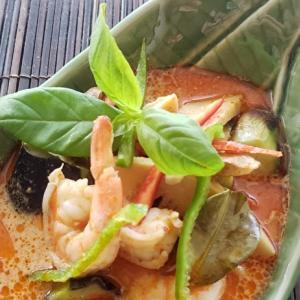 家庭でつくる本格的タイ料理シリーズ9 海老のレッドカレー