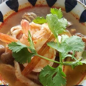家庭でつくる本格的タイ料理シリーズ 10 トムヤンクン