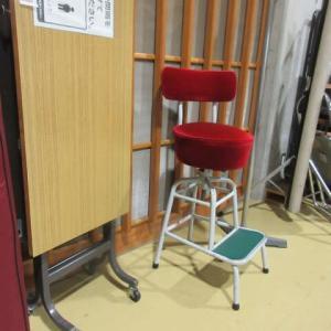 いろんな椅子・・。