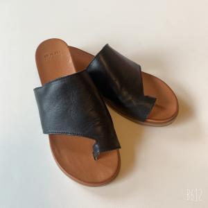 アラカン 暑い夏にはぬけ感のある足元で