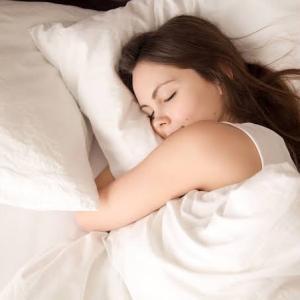夏の快眠を促す方法