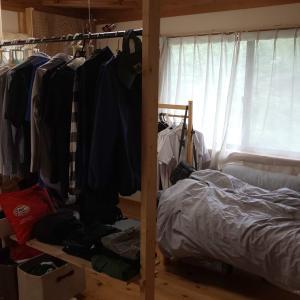 【DIY】長男の部屋のハンガーポールに棚をつけた