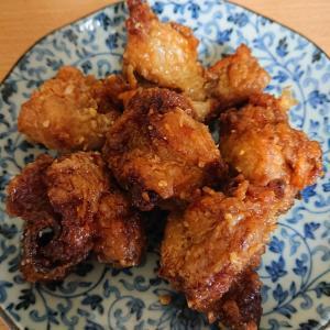 仙台朝市の「みうらや」で「仙台みそから揚げ」の仙台みそに惹かれて食べてみた。