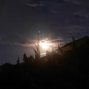 中秋の名月。8年ぶりに満月と一致!。