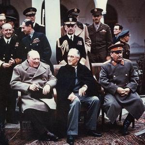 ヤルタ会談とはどんな会談!第二次世界大戦後の体制を作り上げた会談について解説!