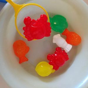 【ダイソー】お風呂で遊ぶおもちゃ