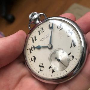 19セイコー 鉄道時計を片手に思いを馳せる