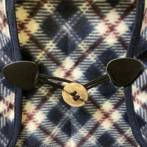 100円ショップの「ストールクリップ」はとても便利。これを使って、バッグの留め金の代わりを作ってみました!