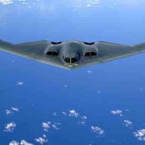 米軍機中国大陸に接近 高まる米中緊張関係 中国側はこう見ている。