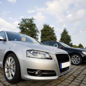 中国の自動車販売、3年連続で減少 今年は回復見込み
