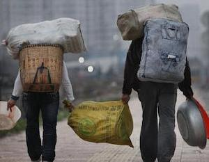 中国の農民工(出稼ぎ労働者)が2.85億人 平均月収4000元超