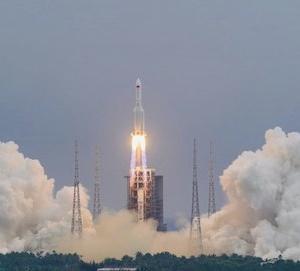 長征5Bロケットの部品が地球に墜落、 中国メディア:ロケットは無事に落下、米国の中国に対する誹謗中傷は破綻。