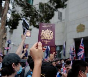 カナダ、香港からの移民をさらに支援するために「救命ボート」プログラムを拡大