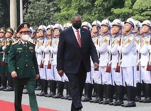 オースティン米国防長官がベトナムを訪問し、軍事協力の強化について話し合う 中国の領域拡大の野望を阻止するため