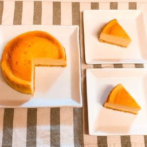混ぜて焼くだけ!焼き色が綺麗な『ベイクドチーズケーキ』の作り方