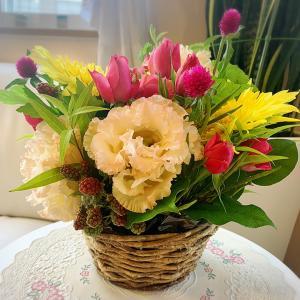 お祝いにお花をいただきました❤️