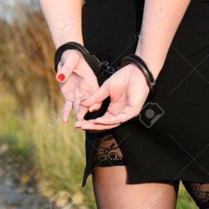 女性犯罪者が少ない理由【進化心理学】
