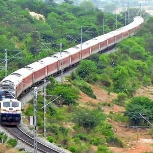 [インド:~50時間の列車旅。コルカタへ~ 45日間周遊]初めての海外旅行がインドだった⑳