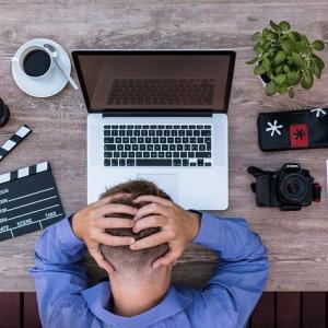 休みのために働くのか、仕事のために休むのか。