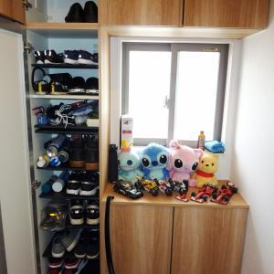 靴の収納スペースは多いが、寸法が微妙。コの字型の靴箱は使い勝手が悪い?