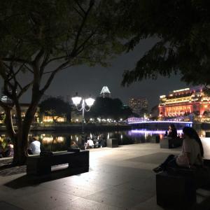 シンガポールでみつけた面白い物:スワロフスキーと100万円と
