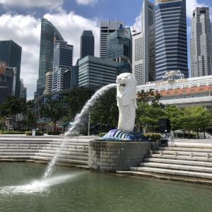 衝撃?誰もいないマーライオン広場とシンガポールのブルーアワー